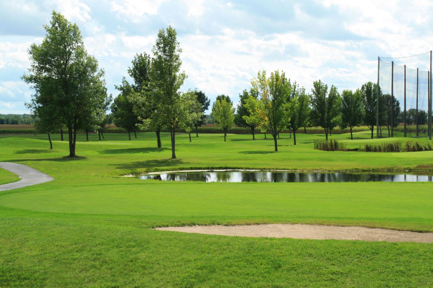 terrain de golf rive sud laprairie club de golf l 39 express. Black Bedroom Furniture Sets. Home Design Ideas